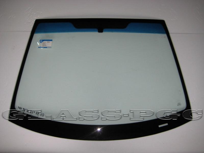 Ford Fiesta (Форд Фиеста) 02-08 г.в. стекло лобовое